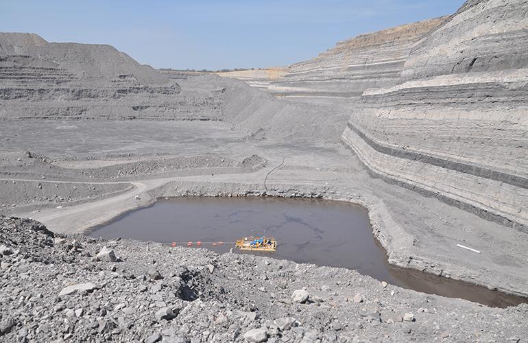 Mine dewatering pump photo